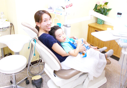 川崎市野上歯科医院 親子イメージ写真